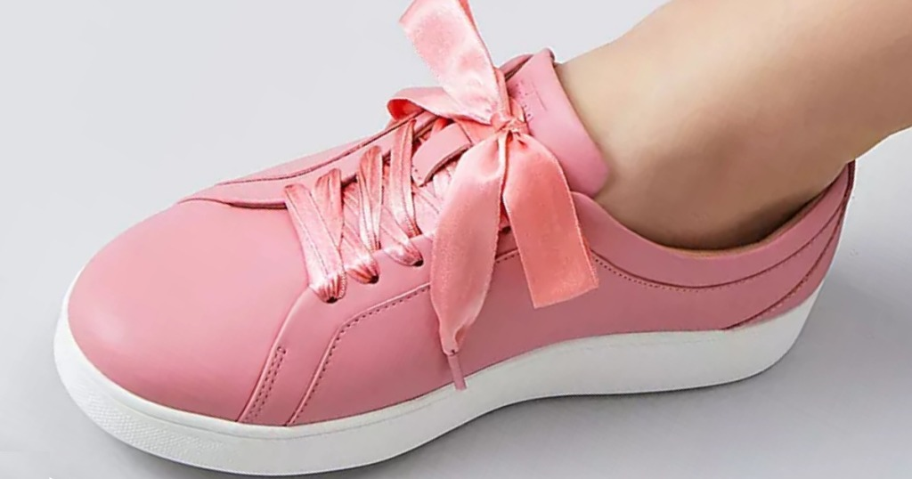 RALLY Ribbon Lace Leather Sneaker