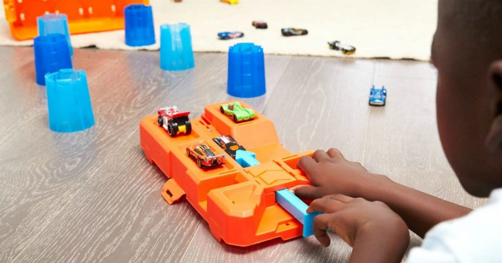 Hot Wheels track set with cars
