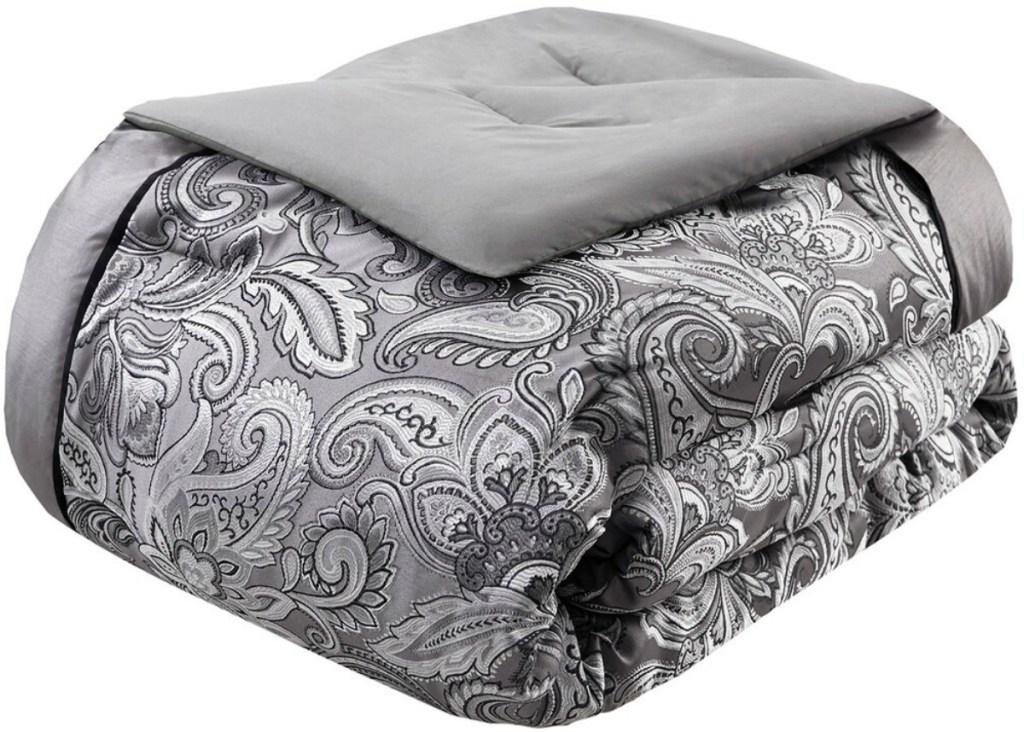 Gray paisley print bed comforter
