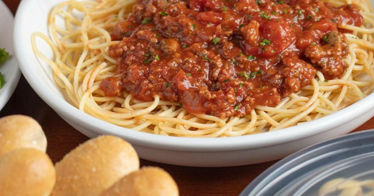 bowl of olive garden marinara pasta