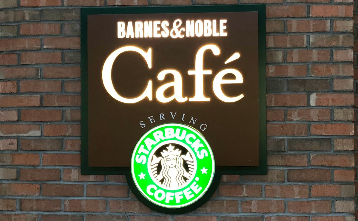 barnes & noble cafe front