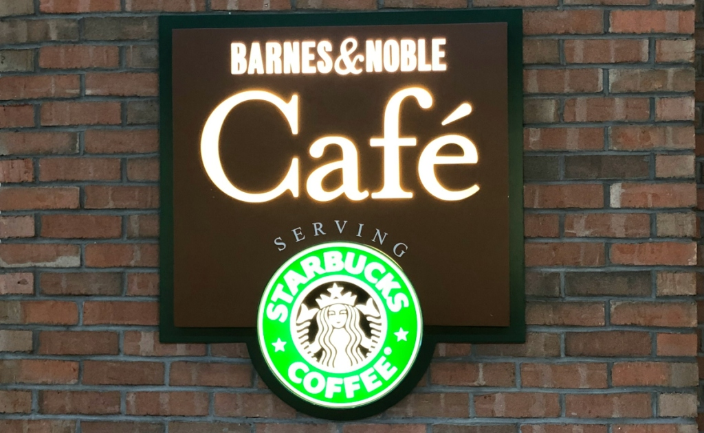 barnes & noble cafe front