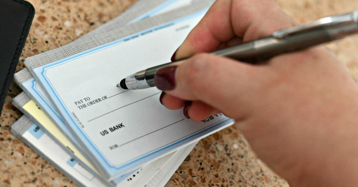 hand writing personal checks
