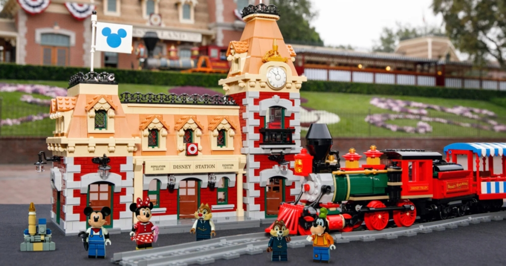 LEGO Dsiney Train and Station with minifigures