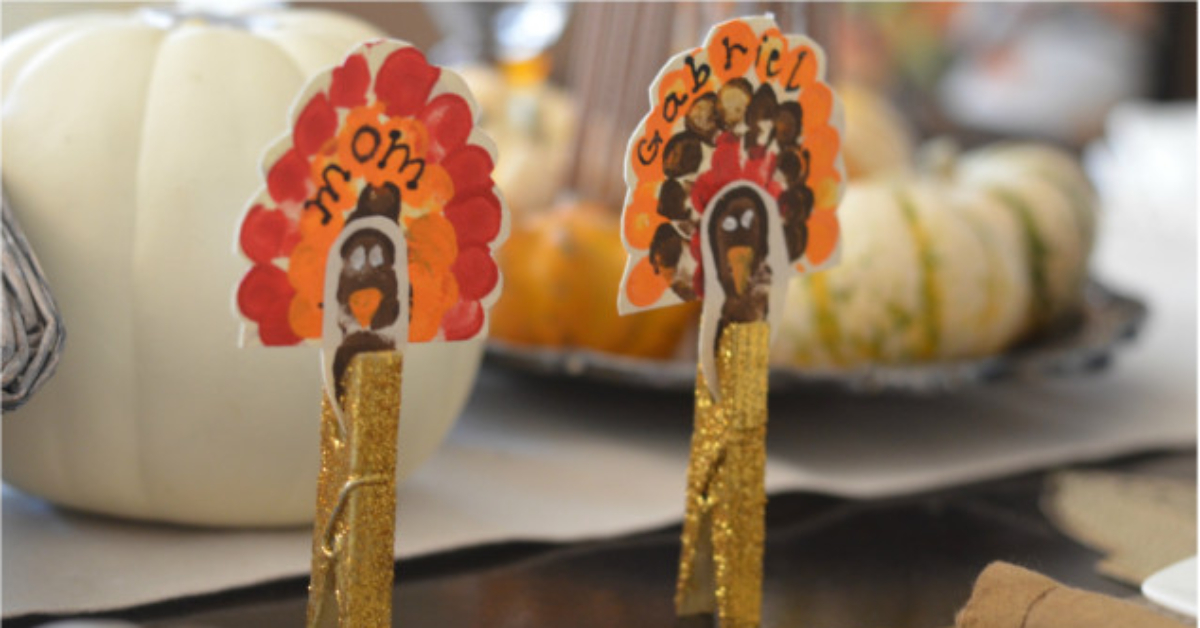 thumbprint and clothespin placeholders for Thanksgiving