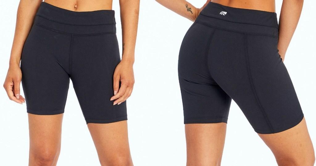 woman wearing black bike shorts