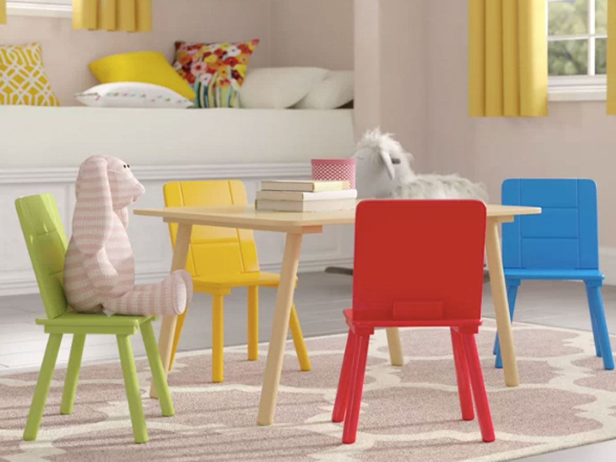 kids table and chairs in room