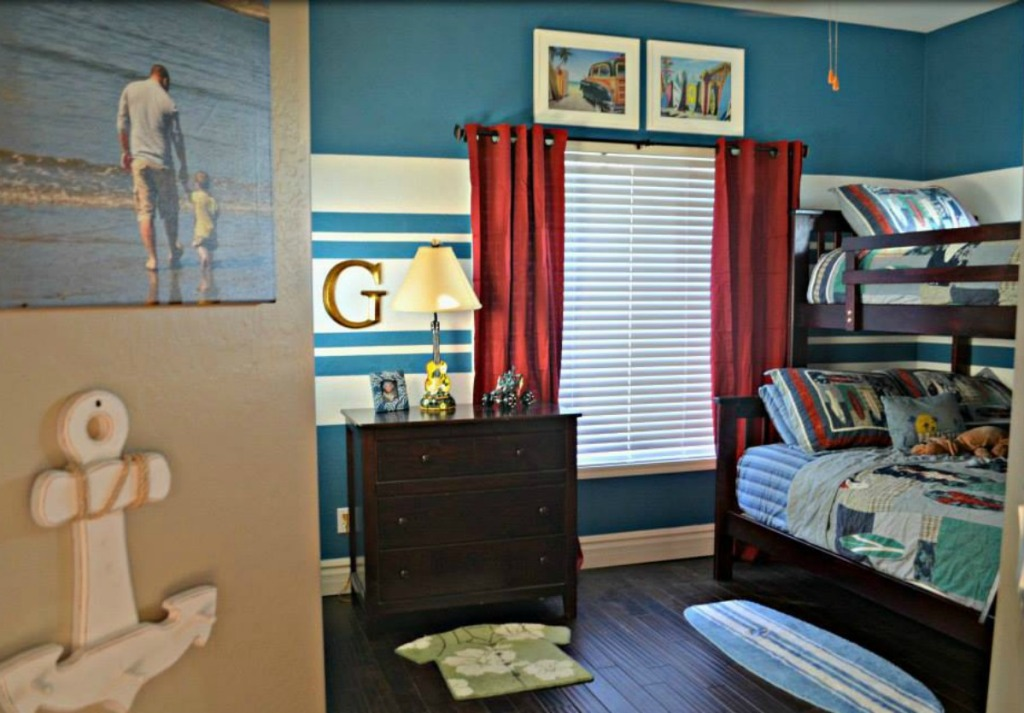 solid striped accent wall using FrogTape