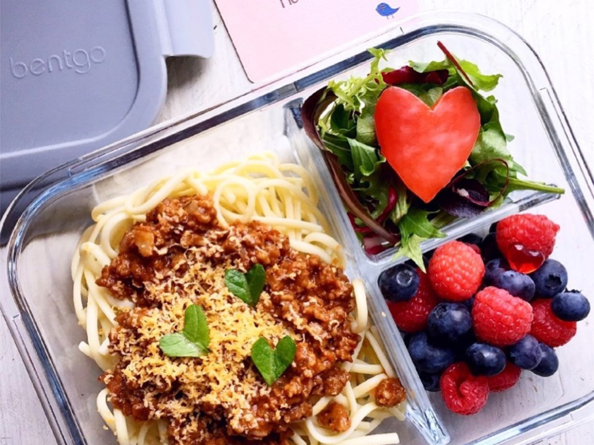 Bentgo Glass Lunch Box with spaghetti and fruit