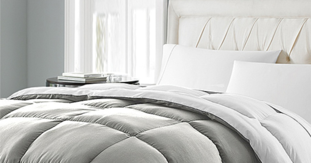 Blue Ridge Gray & White Lightweight Down-Alternative Comforter
