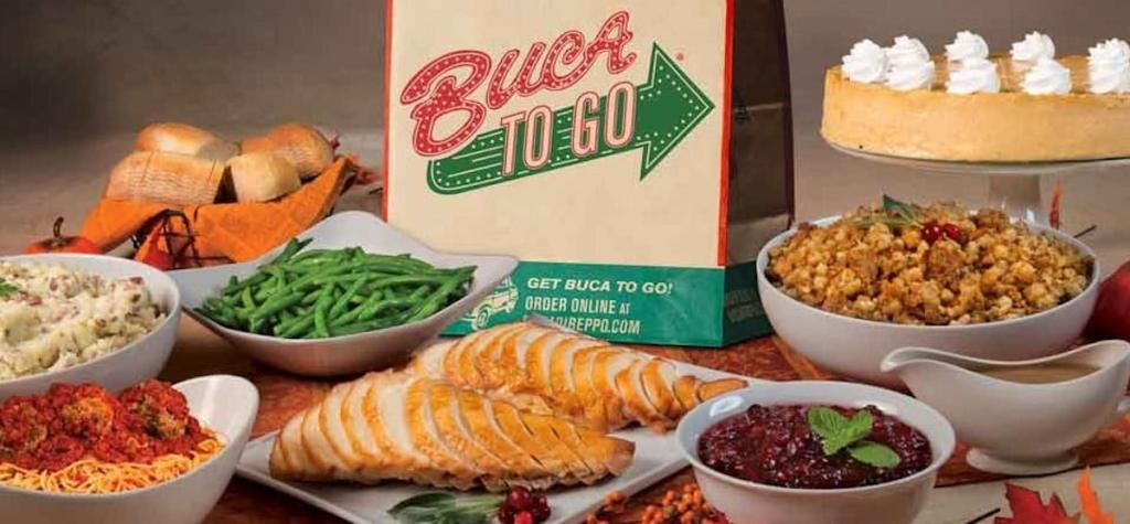 buca di beppo vorgefertigter Thanksgiving-Schmaus auf dem Tisch mit To-Go-Beutel
