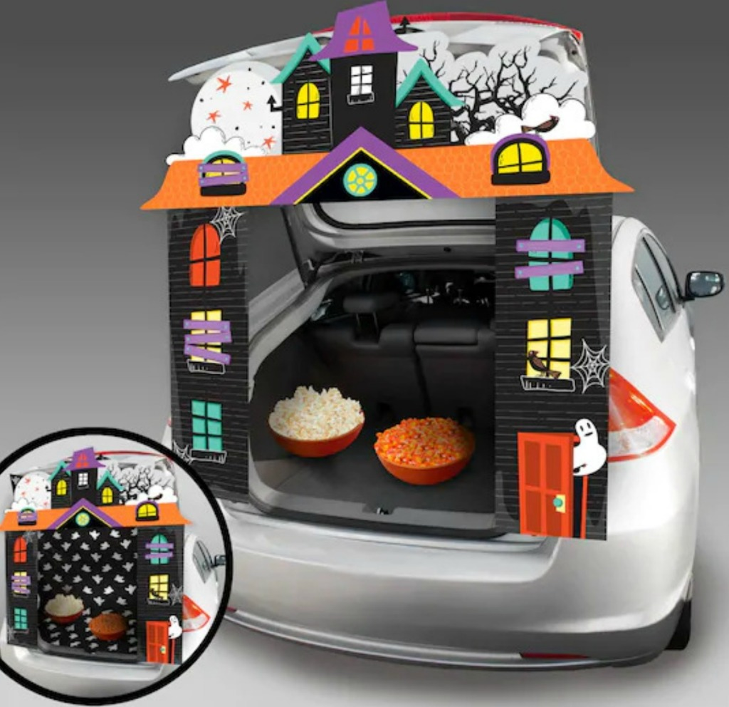 Celebrate It Haunted House Trunk or Treat Kit in car