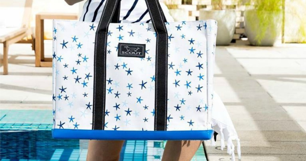 woman carrying Deano Tote Stars