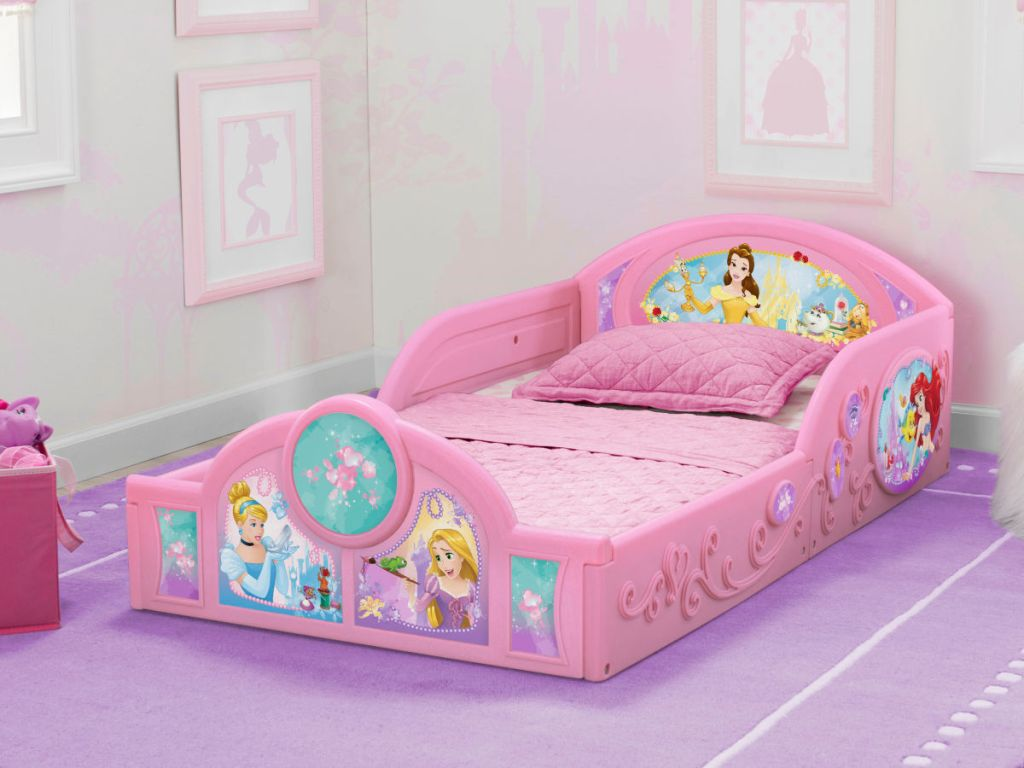 Delta Children Disney Princess Plastic Sleep and Play Toddler Bed in room