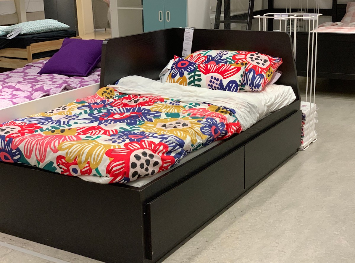 flekke daybed with colorful floral bedspread comforter