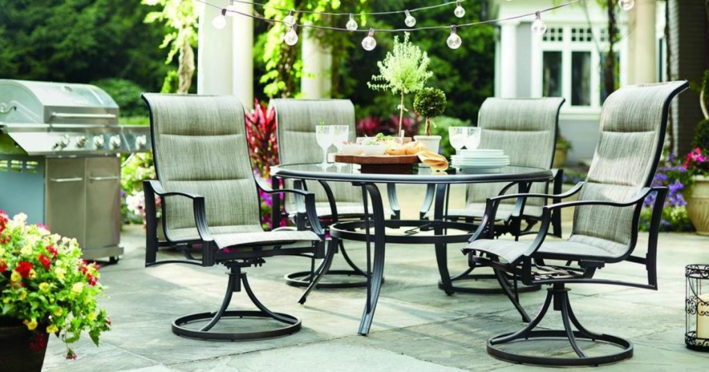 Hampton Bay Statesville Set on patio