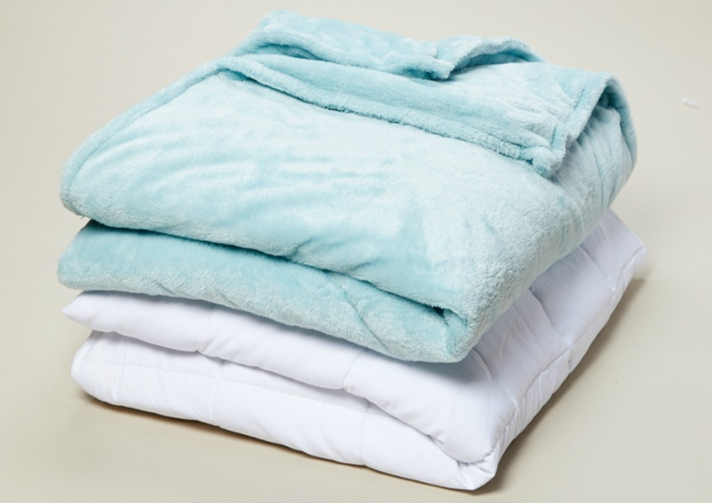 Home Fashion designs weighted blanket with blue cover