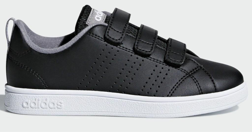 kids black adidas shoe
