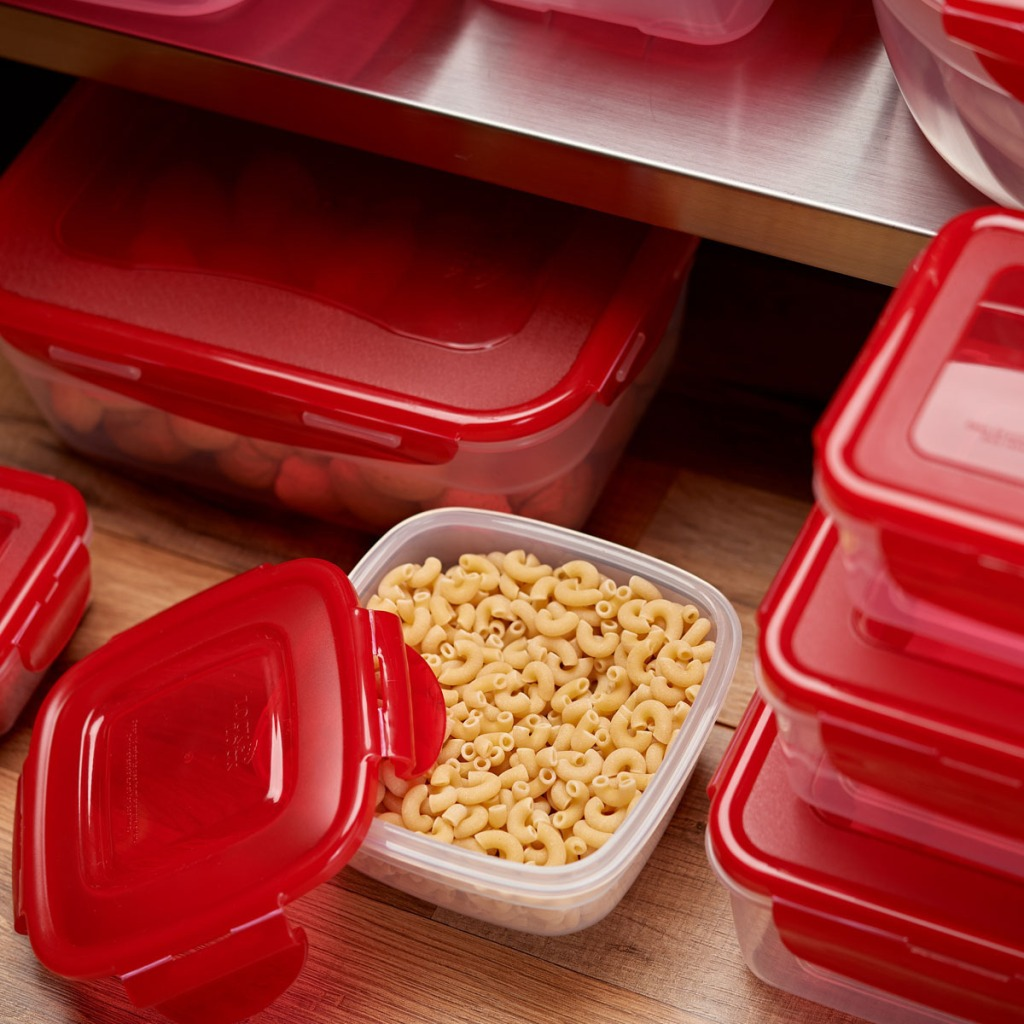 Lock & Lock Containers with noodles