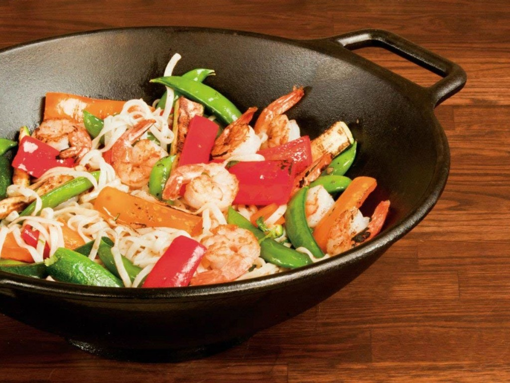 Lodge Wok with veggies in it