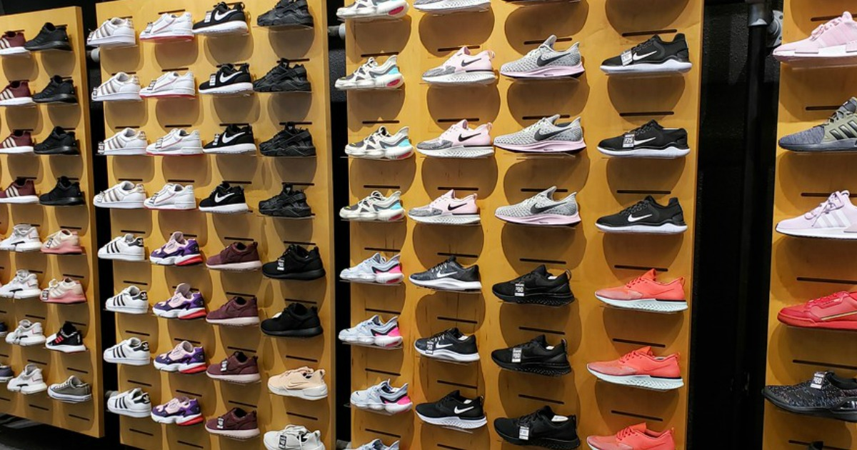 nike women's shoes finish line