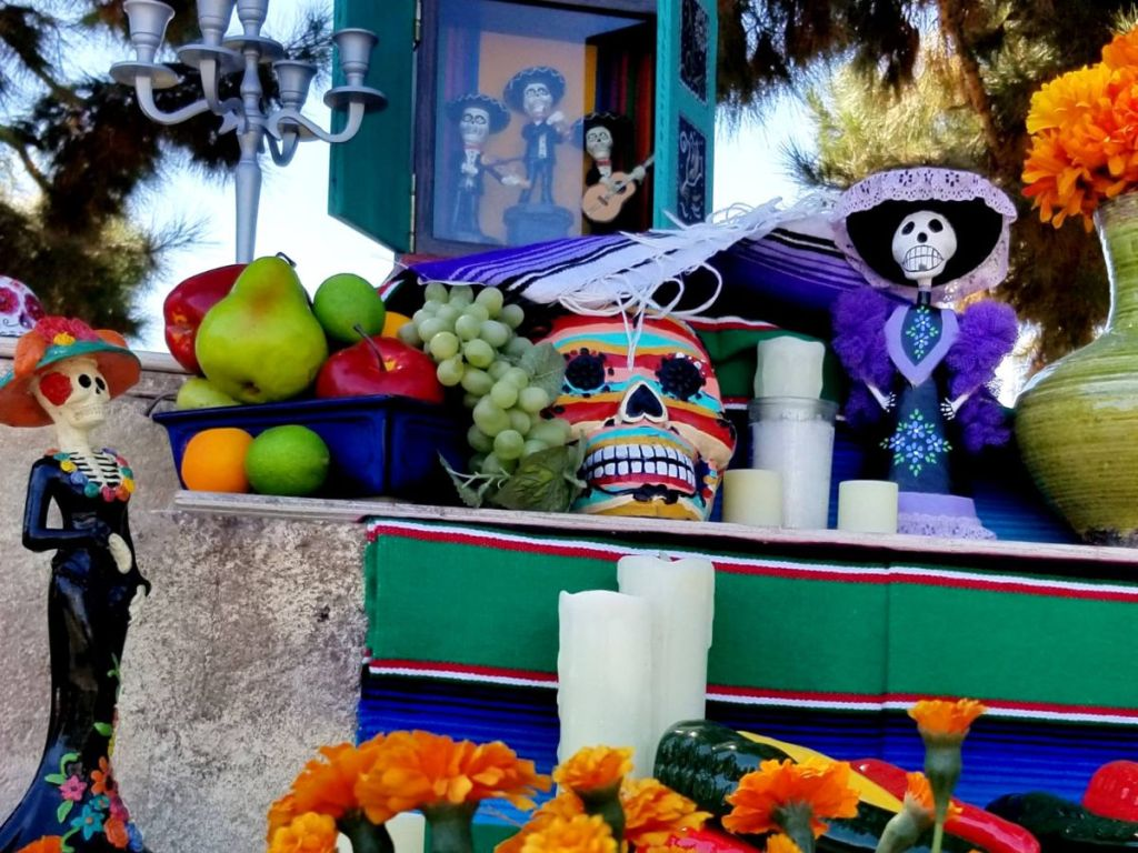 Sea World San Diego Halloween display with skulls and orange carnations