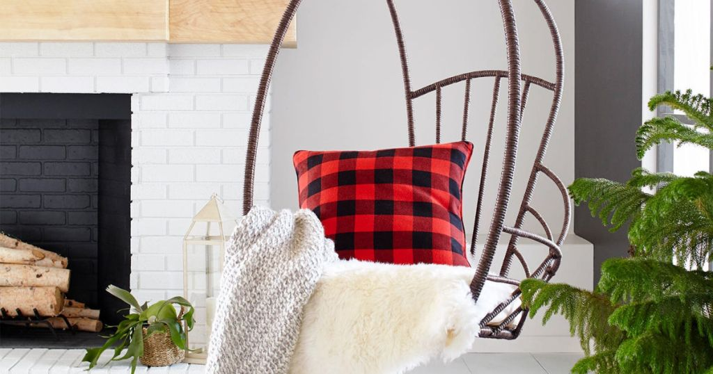 swingasan chair with pillows