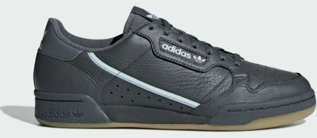 black pair of shoes