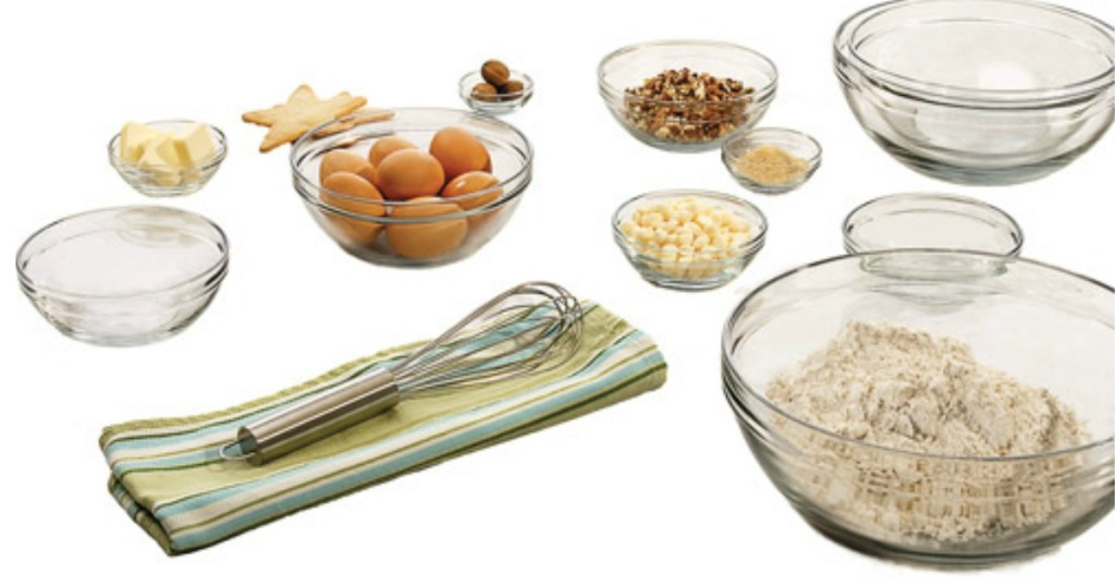 assorted glass bowls with ingredients