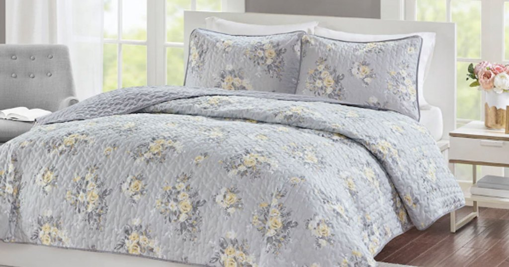 madison park essentials quilt set bouquet