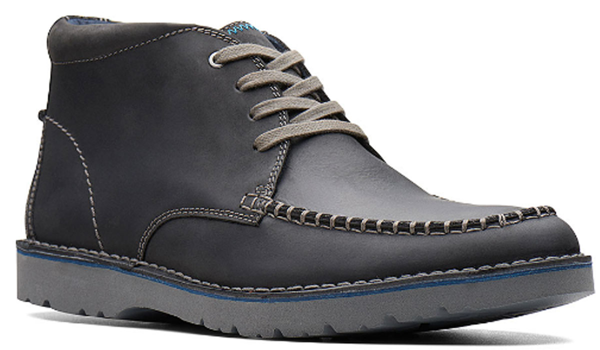 clarks mens black leather chukka boots