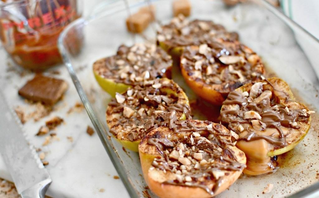 easy fall caramel baked apples