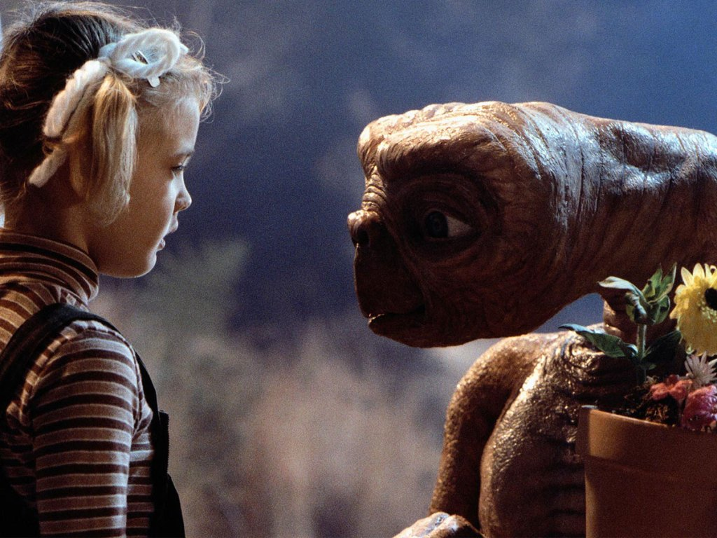 drew barrymore and et in a movie trailer clip