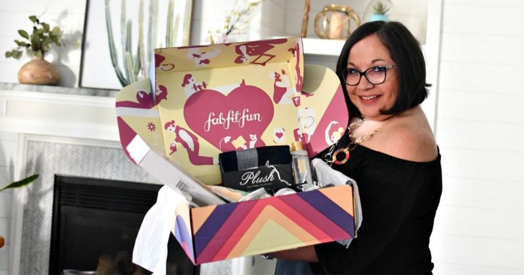 lina holding fabfitfun box with box opened