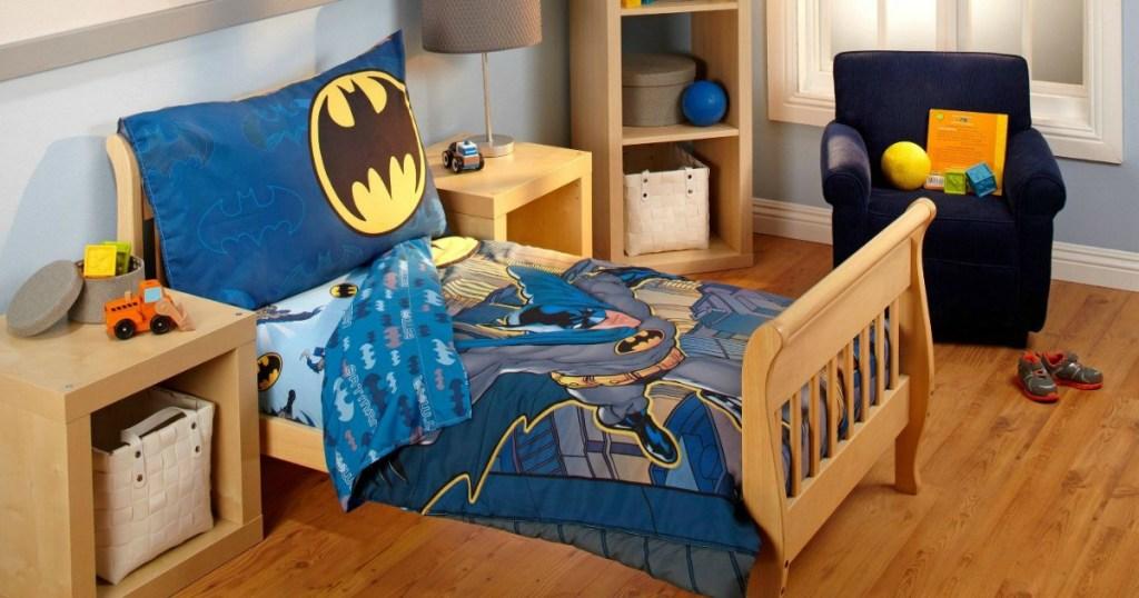 Batman bedding in child's room
