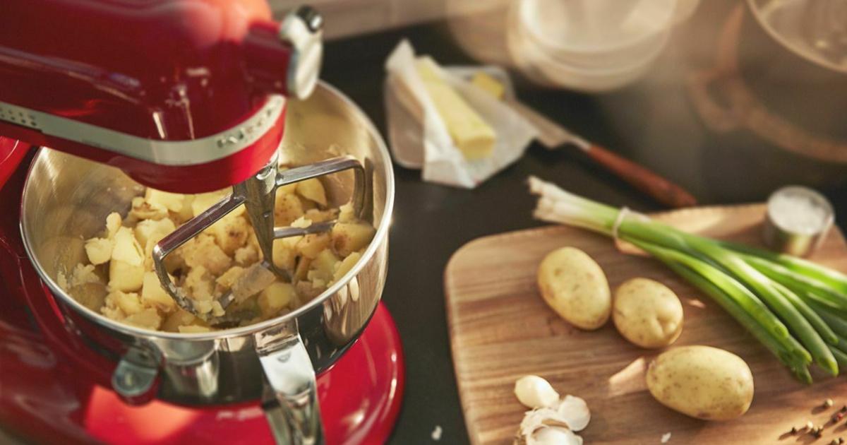 KitchenAid Stand Mixer mashing potatoes