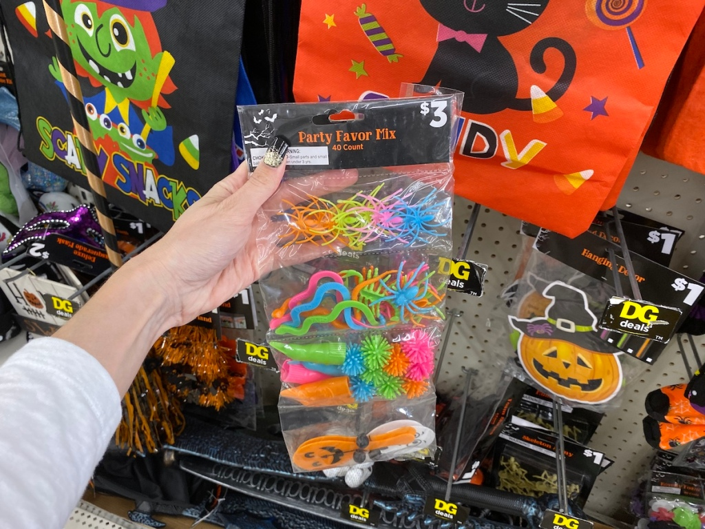 Dollar General Halloween Party Favor Mix in store
