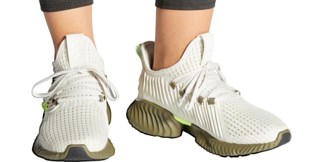 Adidas Alphabounce in khaki