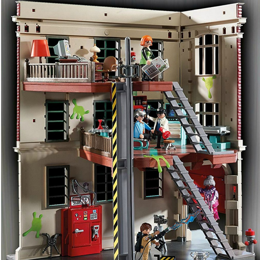Ghostbusters Playmobil set set-up with figures in play