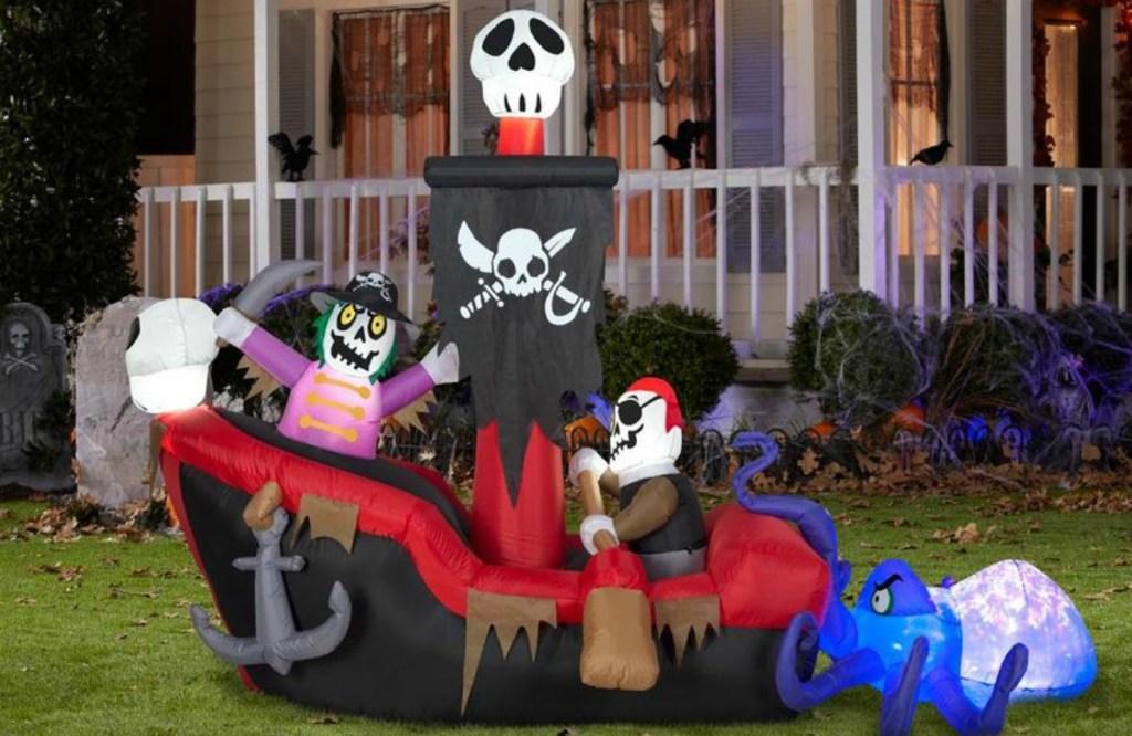 Halloween pirates inflatable