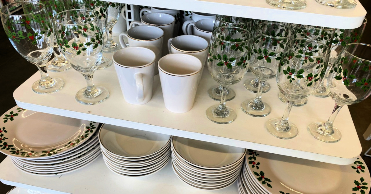 NEW Holiday Dinnerware Items at Dollar Tree | Great For Holiday