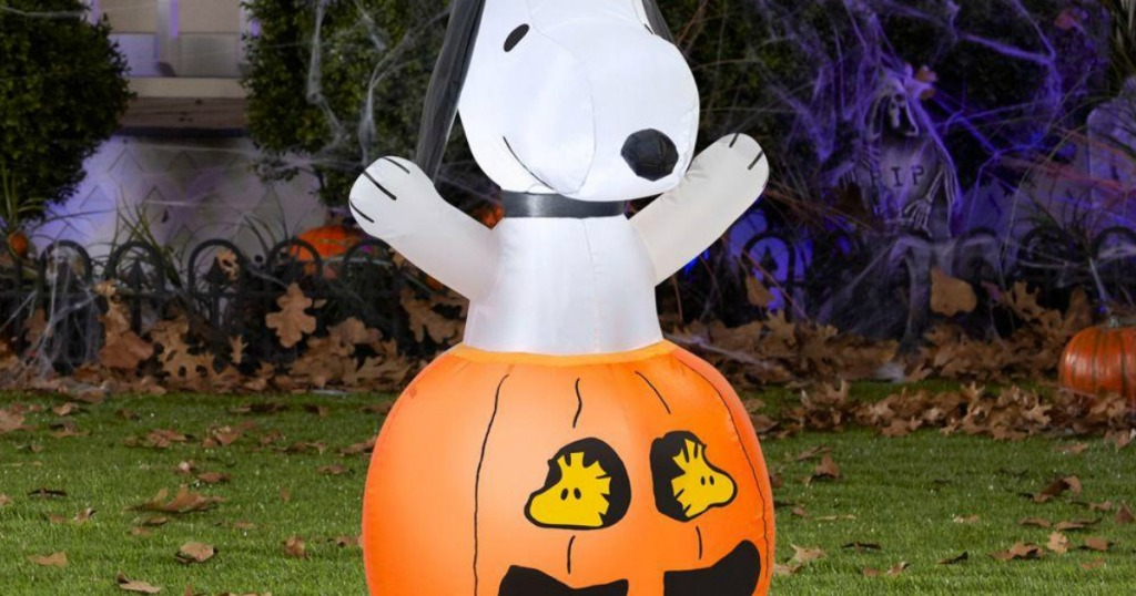 snoopy halloween inflatable