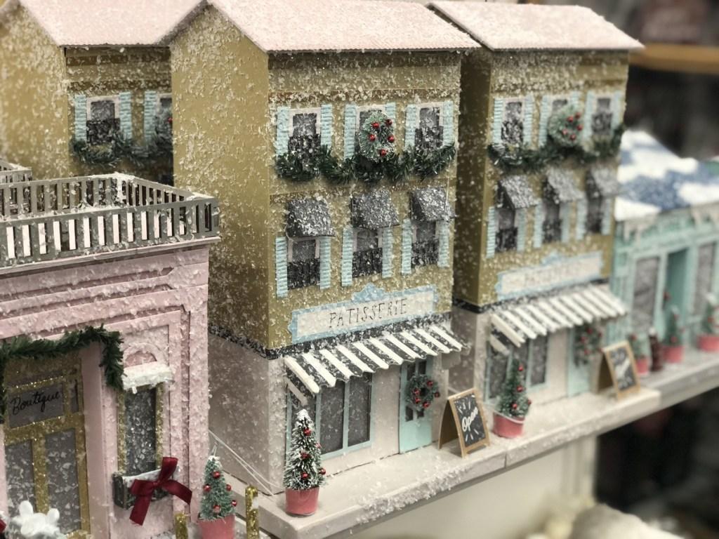 LC Lauren Conrad Paper House