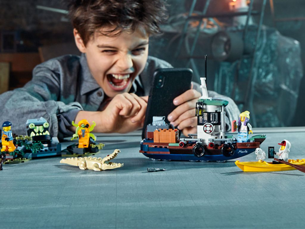 LEGO Hidden Side Augmented Reality Wrecked Shrimp Boat