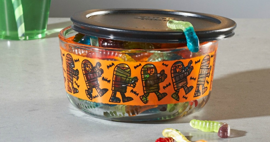 Pyrex Halloween container featuring mummies