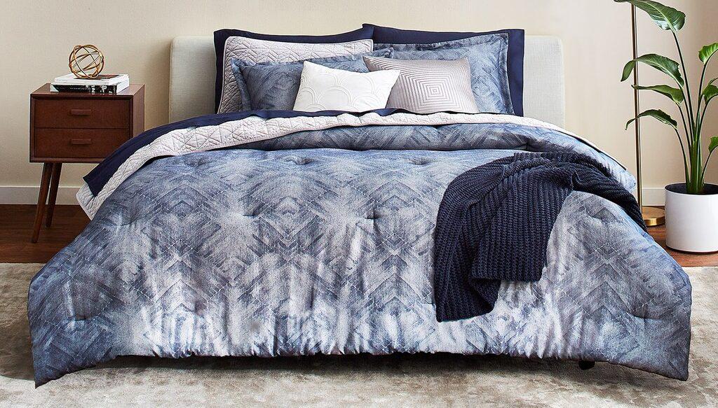 Scott Living Oasis Mirrored Chevron Comforter Set on bed