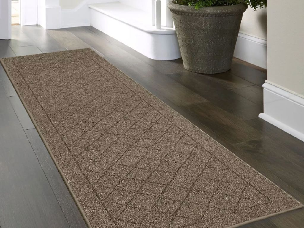 Threshold 2'x7' Clarkson Washable Tufted And Hooked Rug