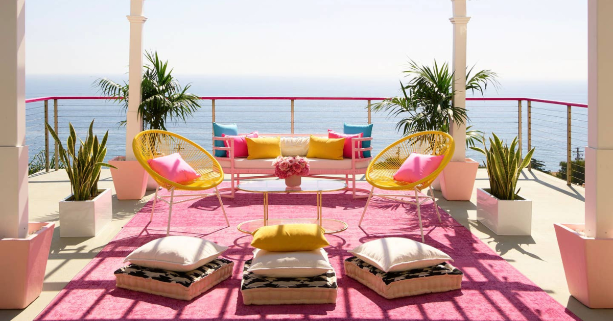 Celebrity Travel: real life Barbie Dreamhouse patio