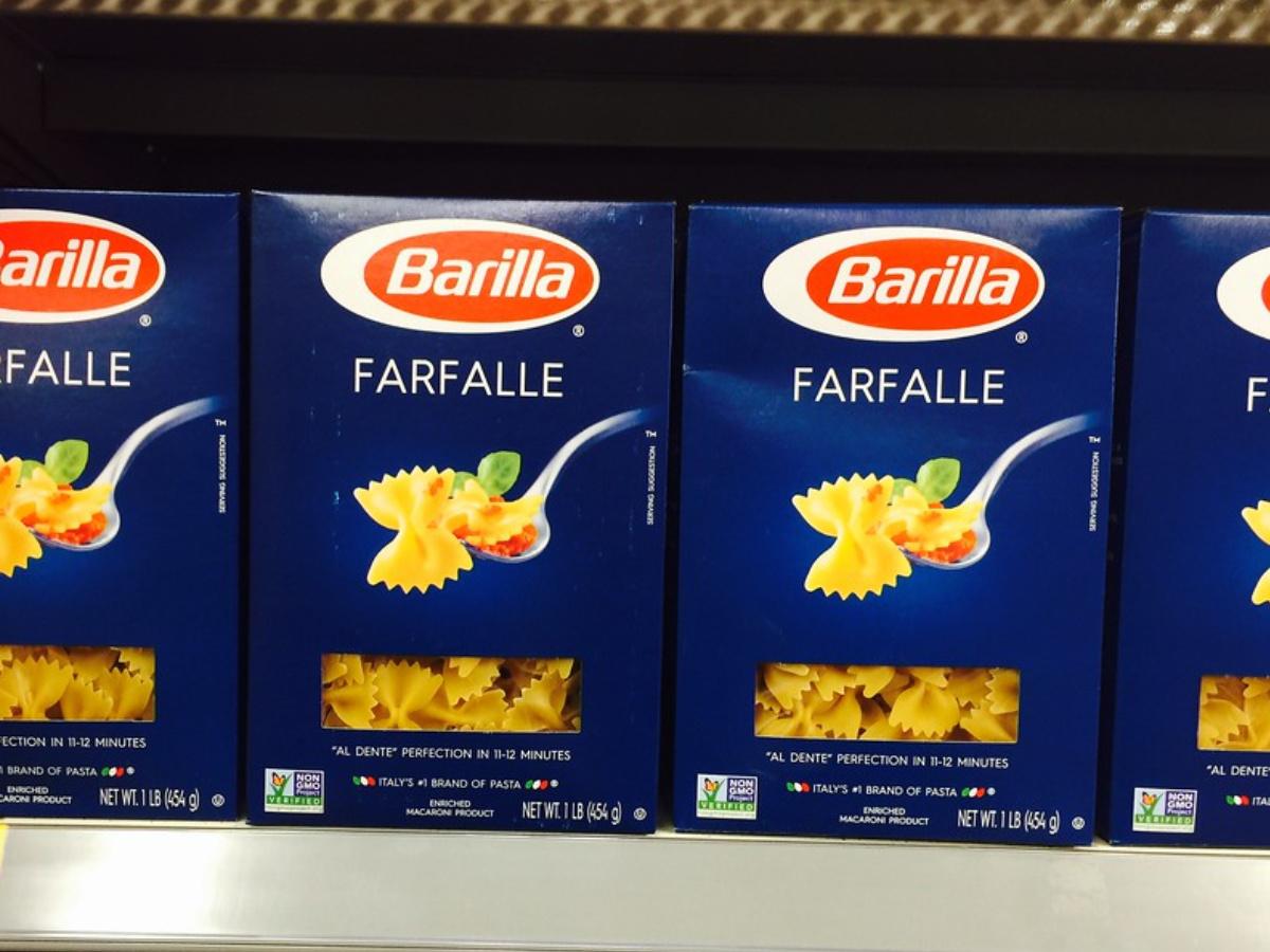 barilla farfalle pasta on store shelf