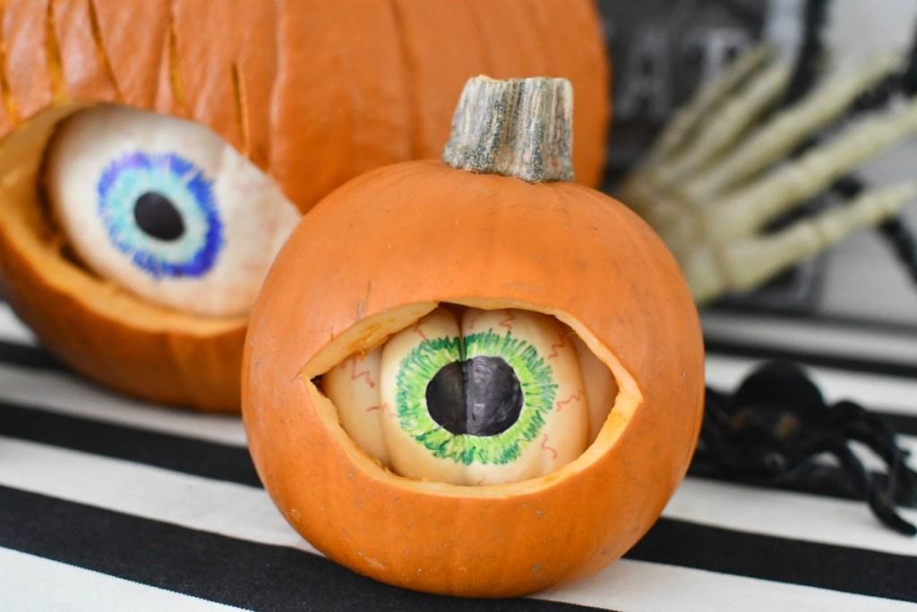 small eye carved pumpkin diy